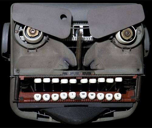 typewriter robot